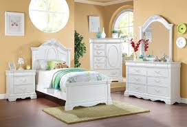 Acme Estrella Youth Panel Bedroom Set in White