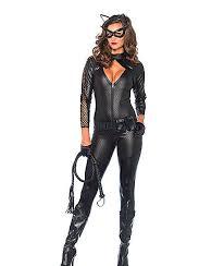 Cat Woman Halloween Costume Idea #halloween #outfits #ideas #luxury #sexy