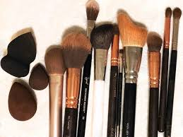 i finally found a way to clean my makeup brushes that doesn t