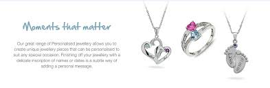 create jewellery inspired by the latest trends with our range of personalised jewellery