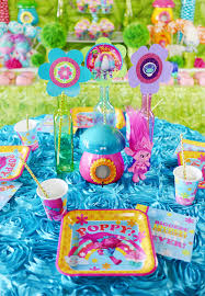 dreamworks trolls party dining table