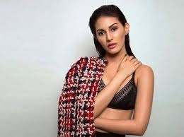Today bollywood cutest actress fashion style. Amyra Dastur Roped In To Star In Farhan Akhtar And Ritesh Sidhwanis Next Production Venture Dongri To Dubai अम यर दस त र फरह न अख तर क ड गर ट द बई स र ज म आय ग नज र Desimartini