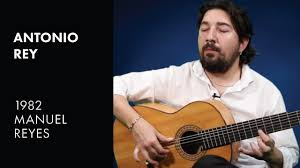 "Antonio Rey performs ""Idolo"" on his 1982 Manuel Reyes - YouTube"