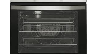 the door won t get too hot with an air cooled door and two layers of glass that also helps to keep hot air inside the oven for efficient cooking