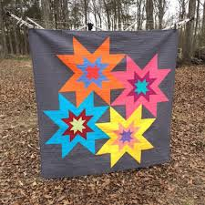 Judy Martin's Star Cluster block made quilt sized and with the ... & Judy Martin's Star Cluster block made quilt sized and with the addition of  Rising Stars: Adamdwight.com