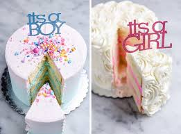 gender reveal cakes in blue and pink