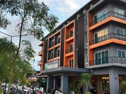 <b>Sleeping Tree</b> Hotel - Reviews for 3-Star Hotels in Fang | Trip.com