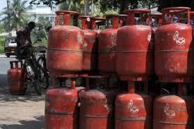 गैस के सिलेंडर पर मिलने वाली सब्सिडी बढ़ाने जा रही है सरकार