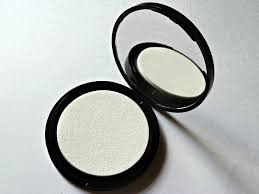 <b>Makeup Revolution Ultra</b> All Day Prime and Anti-Shine Balm Review