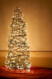 Diy Tomato Cage Christmas Tree Decorating With Christmas