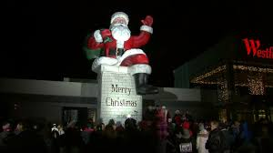big santa returns to westfield garden state plaza for first time since 1980s
