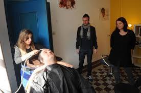 """Résultat de recherche d'images pour """"salon de coiffure au bric à brac"""""""