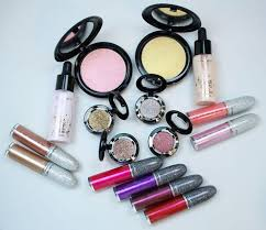 <b>MAC Get Blazed</b> Collection