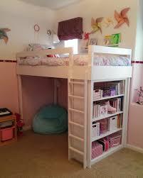 Lovely Neighbors - DIY Loft bed for little girl's room