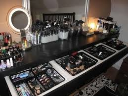 Organizing makeup I would love all this makeup.