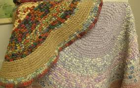 one of our las brought along some beautiful rag rugs she has made since learning the craft a few years ago and the mauve one on the right in the photo