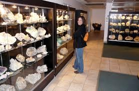Desert Winds Gems & Minerals - Tucson Gem & Mineral Show Highlights 2009