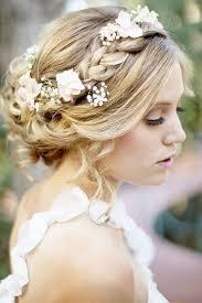 Coiffure De Mariée Avec Tresse Et Fleurs Les Plus Jolies
