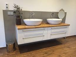 Schöne Bademöbel In Kombination Aus Alt Und Neu Badezimmer