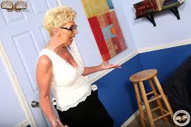 Watching My Mom Go Black Taylor Lynn Sofie Carter All Blowjob Site.