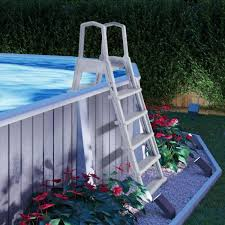 non slippery safety entry pool ladder
