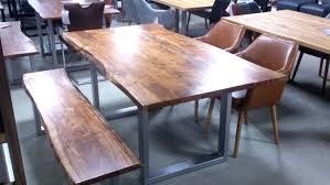 Tisch Mit Baumkante Latest Waldkante Tisch Dionada Aus Akazie