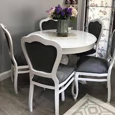 Özellikle klasik dekorasyondan hoşlananlar için kumaş sandalye seçeneği bulunan modeller en sık tercih edilen modeller mutfak masası fiyatları oturma alanı ve modelin ebatlarına göre farklılık gösterebiliyor. Mutfak Masa Sandalye Elazig Ardic Masa Sandalye