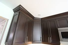 how to cut crown molding for kitchen cabinets 8051 regarding how do you cut