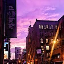 bar hopping chicago