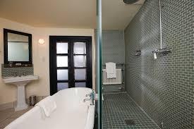 inn bristol bathroom    z