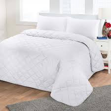 Luxury Soft Plain Dyed Polycotton Quilted Bedspread Bed Quilt ... & Luxury-Soft-Plain-Dyed-Polycotton-Quilted-Bedspread-Bed- Adamdwight.com