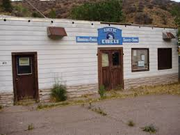 my uncle s aunt used to own this burger place it was one of the places we would always go and it was always great