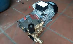Máy rửa xe áp lực cao AR U22-1408 - Xuất xứ Italia - thietbimientay.vn