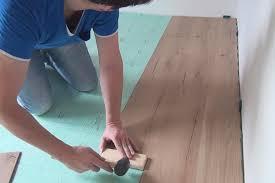 Ist laminat ein guter oberbelag auf fußbodenheizungen? Laminatboden Verlegen Klick Laminat Auf Trockenestrich Anleitung Diybook De