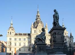 Doch neben der großstadt gibt es zahlreiche reiseziele in österreich, die einen kurzurlaub wert sind! Austria Country Profile Nations Online Project