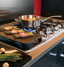 ge café™ series 30 built in gas cooktop cgp350setss ge appliances product image product image