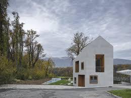 Satteldach Aus Beton Villa In Genf Satteldach Genf Und Architektur Beton Fassade Beton Architektur L