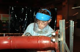 Pipeline Welding Apprentice Hull Technician Fireman Apprentice Htfa Kita Grinds Out On A Weld
