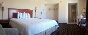 Nice Clean 2 Bed Bedroom At Our Oceanfront Hotel In Daytona Florida