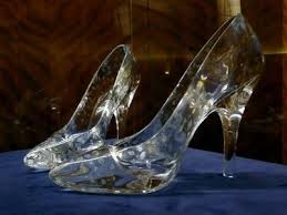 glass wedding shoes. transparent wedding shoes, ie. glass slippers. i can be cinderella! shoes e