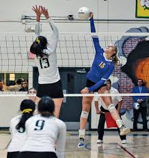 VOLLEYBALL: Epic win for Knights - Manteca Bulletin
