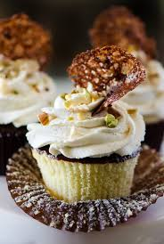 Cannoli Cupcakes With Chocolate Pistachio Crunch