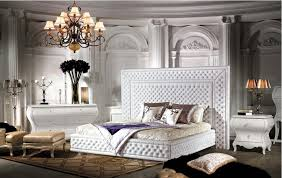 Modern & Classic Bedrooms and Living Rooms