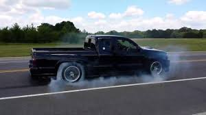 Toyota Tacoma X-Runner burnout - YouTube