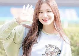 Joy, seulgi, yeri, wendy, irene. Red Velvet S Yeri Has A Bakery Shop Red Velvet Amino