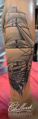 татуировки на ноге голени Chillout Tattoo Workshop