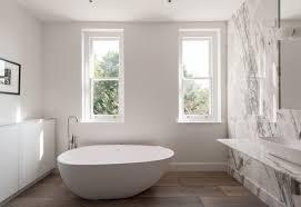 built in vs freestanding bathtubs
