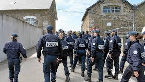 Vidéo La Police Embauche Reportage Avec Les Futurs Policiers à L