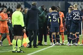 Jogo entre PSG x Basaksehir, válido pela Liga dos Campeões, é suspenso por  acusação de racismo - GQ
