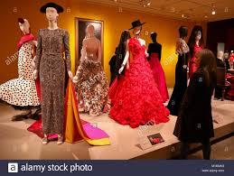 Houston Fashion Designers Houston Usa 30th Jan 2018 A Woman Views Works Of Fashion